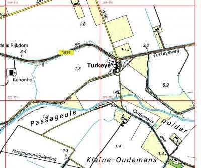 De provinciale weg bij Turkeye heet Turkeijeweg. In recente atlassen staat Turkeyeweg. Dus óf dat is een drukfout, óf de weg is ooit wel zo gespeld geweest, óf dit is nog een 'erfenis' uit de begintijd van het postcodeboek. Zie verder het kopje Spelling.