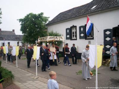 Ubachsberg is een van de dorpen waar jaarlijks nog een processie wordt gehouden. In Ubachsberg is dat op de vierde zondag na Pinksteren.