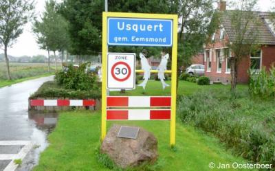 Usquert is een dorp in de provincie Groningen, in de streek Hoogeland, gemeente Het Hogeland. Het was een zelfstandige gemeente t/m 1989. In 1990 over naar gemeente Eemsmond, in 2019 over naar gemeente Het Hogeland.