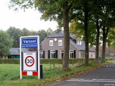 Varssel is een buurtschap in de provincie Gelderland, in de streek Achterhoek, gem. Bronckhorst. T/m 2004 gem. Hengelo. De buurtschap valt onder het dorp Hengelo. De buurtschap heeft een 'bebouwde kom', en heeft daarom blauwe plaatsnaamborden (komborden).