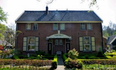 Veenhuizen, het pand Controle was de woning van de huismeester van het hospitaal.