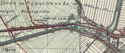 Rond 1925 verschijnt de plaatsnaam Vinkebrug op kaarten, waar het voorheen Houtrijk heette. Genoemd naar de gelijknamige, nabijgelegen brug over de trekvaart tussen Amsterdam en Haarlem.