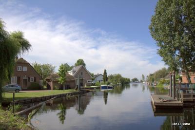 Water is er overal in de buurt van Vinkeveen, zoals hier in buurtschap Vinkenkade