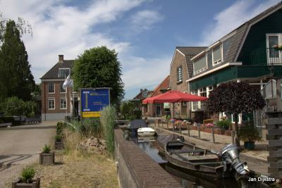 Watersportdorp Vinkeveen is rijk aan havens. Dit is er eentje van.
