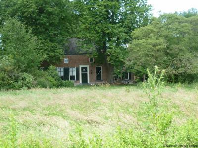 Buurtschap Vosseveld, boerderij Huis 't Iemkamp, gelegen op de hoek Steeggroeveweg/Bataafseweg.