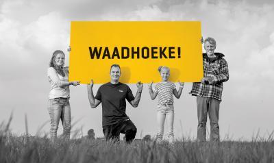 In de tweede stemronde ging het dus nog om een keuze tussen de namen Nij-Westergo en Waadhoeke. In die ronde heeft de meerderheid van de stemmers gekozen voor Waadhoeke. De gemeenteraden hebben deze naam vervolgens in januari 2016 definitief vastgesteld.