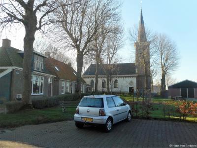 De huidige toren met naaldspits van de 13e-eeuwse Thomastsjerke in Waaksens dateert uit ca. 1880.