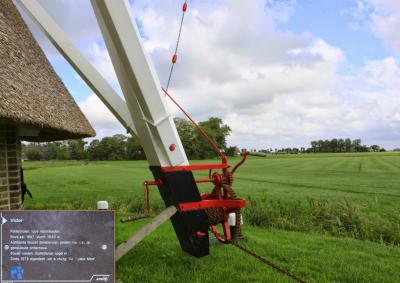 Wânswert, bij Molen Victor kun je op een informatiepaneeltje lezen over de bijzonderheden van deze molen (© Jan Dijkstra, Houten)