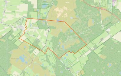 Zoals je ziet is buurtschap Wateren zeer landelijk gelegen, midden in en omringd door de bossen van het uitgestrekte Nationaal Landschap Drents-Friese Wold, met als 'buren' het dorp Zorgvlied in het NW en de buurtschap Oude Willem in het ZO.