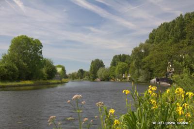 De Oude Rijn ter hoogte van de buurtschap Weijland