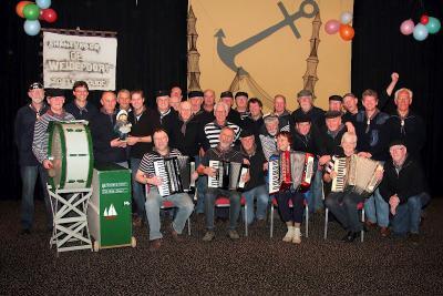 Shantykoor De WeidePoort in buurtschap Weipoort is opgericht in 2002 en telt inmiddels ca. 35 enthousiaste leden. (© www.deweidepoort.nl)