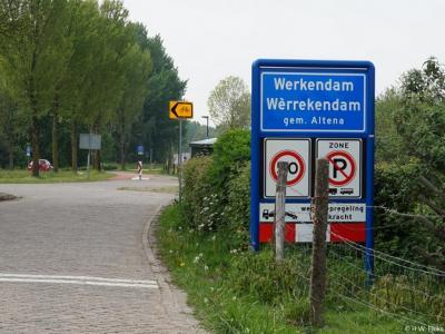 Werkendam is een dorp in de provincie Noord-Brabant, in de regio West-Brabant, en daarbinnen in de streek Land van Heusden en Altena, gemeente Altena. Het was een zelfstandige gemeente t/m 2018.