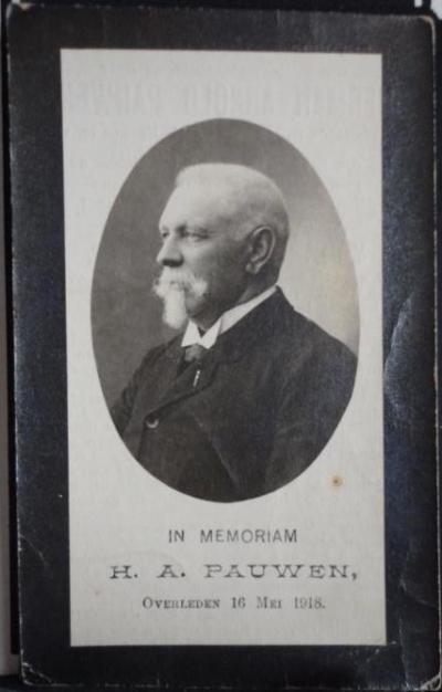 West-Pannerden, bidprentje van de in 1918 overleden prominente inwoner (want lid van Provinciale Staten) Herman Arnold Pauwen. Voorzijde.