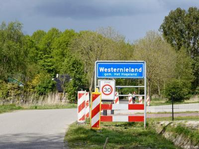 Westernieland is een dorp in de provincie Groningen, in de streek Hoogeland, gemeente Het Hogeland. T/m 1989 gemeente Eenrum. In 1990 over naar gemeente De Marne, in 2019 over naar gemeente Het Hogeland.