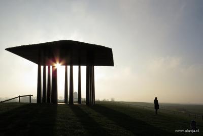 De 'Dijktempel van Marrum', in de regio ook bekend als het 'Tempeltje van Ids'. Voor nadere toelichting zie bij Bezienswaardigheden. (© https://afanja.wordpress.com)