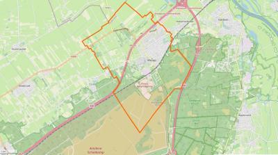 De dorpskern van Wezep grenst in het N aan de A28 en in het Z van de spoorlijn Utrecht-Zwolle. Het dorpsgebied omvat verder o.a. nog een noordelijk puntje van het Artillerie Schietkamp, dat verder onder 't Harde, Oldebroek, 't Loo en Heerde valt.