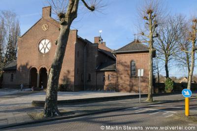 Wijbosch, de St. Antoniuskerk is in 2013 aan de eredienst onttrokken, verbouwd en herbestemd tot een heel bijzonder wooncomplex met elf eensgezinswoningen en twee appartementen. Zie verder bij Recente ontwikkelingen.