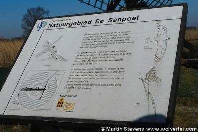Als je natuurgebied De Sânpoel in Wijckel gaat bezoeken, kun je op dit informatiepaneel lezen en zien wat er zo bijzonder aan is.