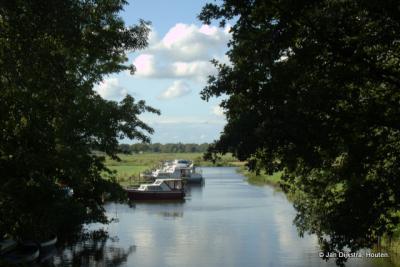Op een deel van het riviertje de Lende is scheepvaart mogelijk.