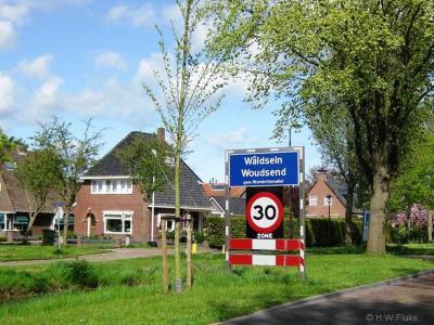Woudsend is een dorp in de provincie Fryslân, gemeente Súdwest-Fryslân. T/m 2010 gemeente Wymbritseradiel.