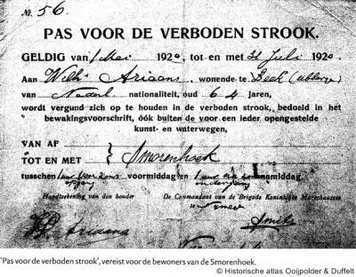 Vóór 1949 was het 2 km lange Wylerberggebied nog Duits, als langgerekte inham tussen Beek en Berg en Dal, en daarmee kennelijk een 'verboden strook', tenzij je een speciale pas had om daar 'je ding te doen', zoals deze heer uit Beek.