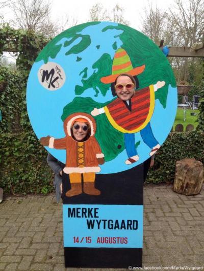 In Wytgaard is er jaarlijks in augustus het dorpsfeest Merke Wytgaard, waarvoor men altijd letterlijk en figuurlijk flink aan de weg timmert. Zo kon men in 2015 met dit object op de foto en zo op zijn eigen Facebookpagina het feest promoten.