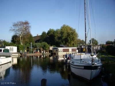 Zevenhuizen is een buurtschap in de provincie Zuid-Holland, in deels gemeente Kaag en Braassem, deels gemeente Teylingen. De buurtschap ligt in een waterrijk gebied, met vele jachtjes en woonarken.