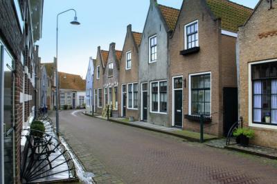 Zierikzee, Bagijnestraat na een buitje (© Jan Dijkstra, Houten)