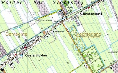 Rond 2000 bepalen de atlasmakers, om ons duistere redenen, dat Zittend maar weer alleen een straatnaam moet worden en verdwijnt de plaatsnaam. De golfbaan ligt er inmiddels wel zoals je ziet, maar de bebouwing is er nog gewoon, dus de buurtschap ook!