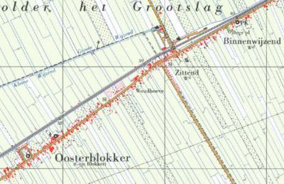 In de jaren zeventig komen de atlasmakers er - rijkelijk laat - achter dat Zittend, behalve 'alleen maar' een straatnaam, ook nog een buurtschap en dus pláátsnaam is, en vermelden ze het als zodanig op de kaarten.