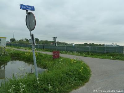 Zuidbuurt is een buurtschap in de provincie Zuid-Holland, in grotendeels gemeente Vlaardingen, deels gemeente Maassluis. T/m 31-8-1966 gemeente Maasland.