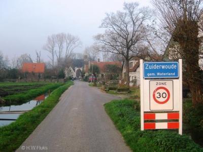 Zuiderwoude is een dorp in de provincie Noord-Holland, in de streek en gemeente Waterland. Het was een zelfstandige gemeente t/m 1811. In 1812 over naar gemeente Broek in Waterland, in 1991 over naar gemeente Waterland.