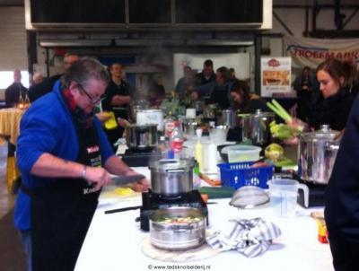 Een uniek jaarlijks evenement in ons land is het NK Snertkoken om de Snertbokaal in Zuidschermer, georganiseerd door knolselderijkwekers Ted en Nicoline Vaalburg. Kom proeven op de laatste zaterdag van januari! Met tevens streekmarkt en kookdemo's.