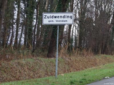 Zuidwending is een dorp in de provincie Groningen, in de streek Veenkoloniën, gemeente Veendam.
