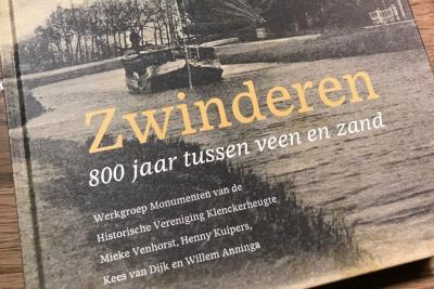 N.a.v. het 800-jarig bestaan van het dorp in 2017 is na 3 jaar noeste arbeid door de Werkgroep Monumenten van Historische Vereniging Klenckerheugte eind 2019 het boek 'Zwinderen - 800 jaar tussen zand en veen' verschenen.