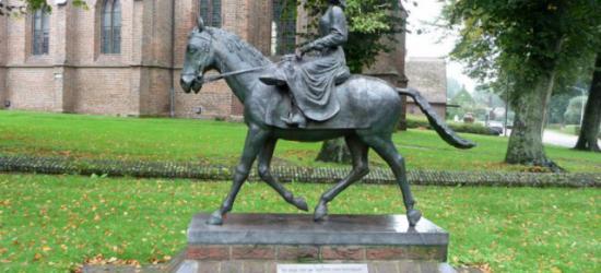 Dwingeloo, standbeeld van de Juffer van Batinghe