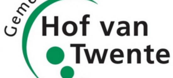 Het logo van de gemeente Hof van Twente symboliseert de vijf gemeenten waaruit zij is ontstaan, plus het uitgesproken groene en landelijke karakter van de gemeente