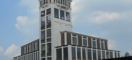 Hengelo, de witgepleisterde toren van de Hengelose brandweerkazerne waarin nu brandslangen te drogen hangen (Lansinkesweg 59), is in 1917 gebouwd als watertoren voor de firma Stork.
