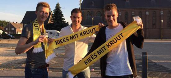Kieës mit Kruut is de 'vastelaovendsboyband' uit Leunen. In 2017 veroverden ze de feestzalen met hun carnavalshit 'Nog Ieëne Kieër'. (© www.facebook.com/kieesmitkruut)