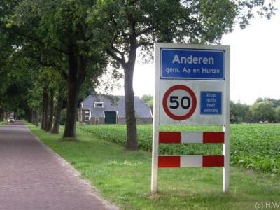 Anderen is een dorp in de gemeente Aa en Hunze. T/m 1997 gemeente Anloo.