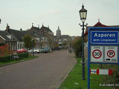 Asperen is een dorp in de provincie Gelderland, in de streek Betuwe, gemeente West Betuwe. Het was een zelfstandige gemeente t/m 1985. In 1986 over naar gemeente Lingewaal, in 2019 over naar gemeente West Betuwe.
