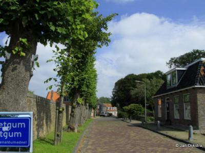 Bitgum is een dorp in de provincie Fryslân, gemeente Waadhoeke. T/m 2017 gemeente Menameradiel.