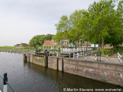 Benedensas, Sluizencomplex (© Martin Stevens - Wolverlei / http://wolverlei.photoshelter.com)