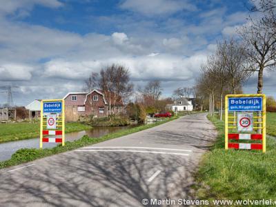 Bobeldijk is een buurtschap in de provincie Noord-Holland, in de streek West-Friesland, gemeente Koggenland. T/m 1978 gemeente Berkhout. In 1979 over naar gemeente Wester-Koggenland, in 2007 over naar gemeente Koggenland.