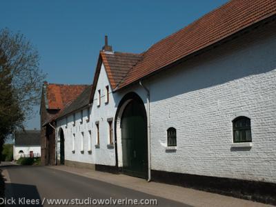 Bruisterbosch, traditioneel witgekalkte hoeve