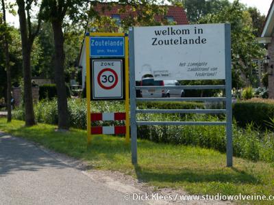 Zoutelande is een dorp en badplaats in de provincie Zeeland, in de streek Walcheren, gemeente Veere. Het was een zelfstandige gemeente t/m 30-6-1966. Per 1-7-1966 over naar gemeente Valkenisse, in 1997 over naar gemeente Veere.