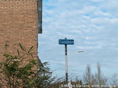 Daniken is een buurtschap van deels de stad Geleen en deels het dorp Sweikhuizen
