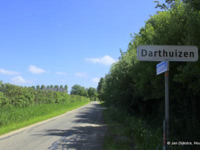 Darthuizen is een buurtschap in de provincie Utrecht, in de streek en gem. Utrechtse Heuvelrug. Het was een zelfstandige gem. t/m 1811. In 1812 over naar gem. Leersum, in 1818 weer afgesplitst tot zelfstandige gem., per 8-9-1857 wederom over naar Leersum.