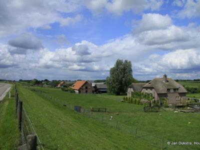 Buurtschap Den Oord bij Wijk bij Duurstede is mooi gelegen onder aan de Lekdijk