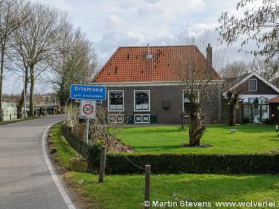 Ondanks dat Driemond in 1966 is 'opgeslokt' door de gemeente Amsterdam, is het gelukkig nog altijd een landelijk gelegen, idyllisch dorpje, net buiten de stedelijke bebouwing van Amsterdam-Zuidoost.